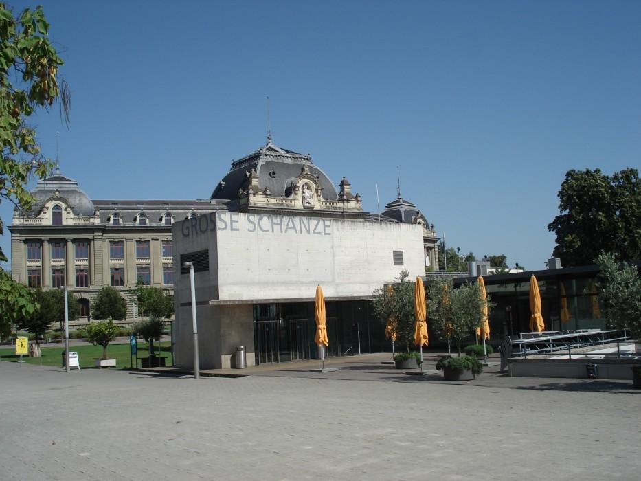 Grosse Schanze mit Universität Bern im Hintergrund