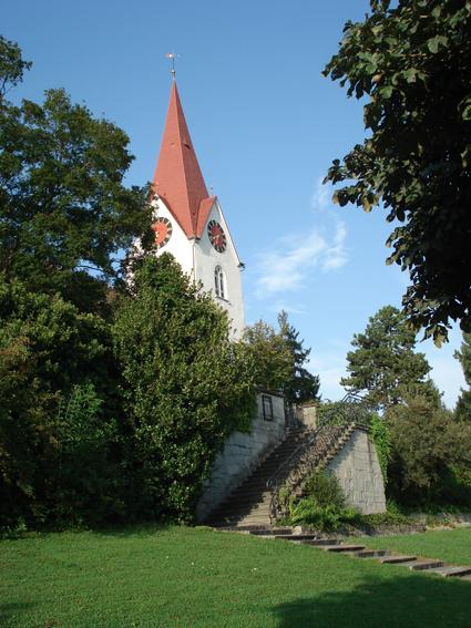Kirche beim Friedhof Höngg