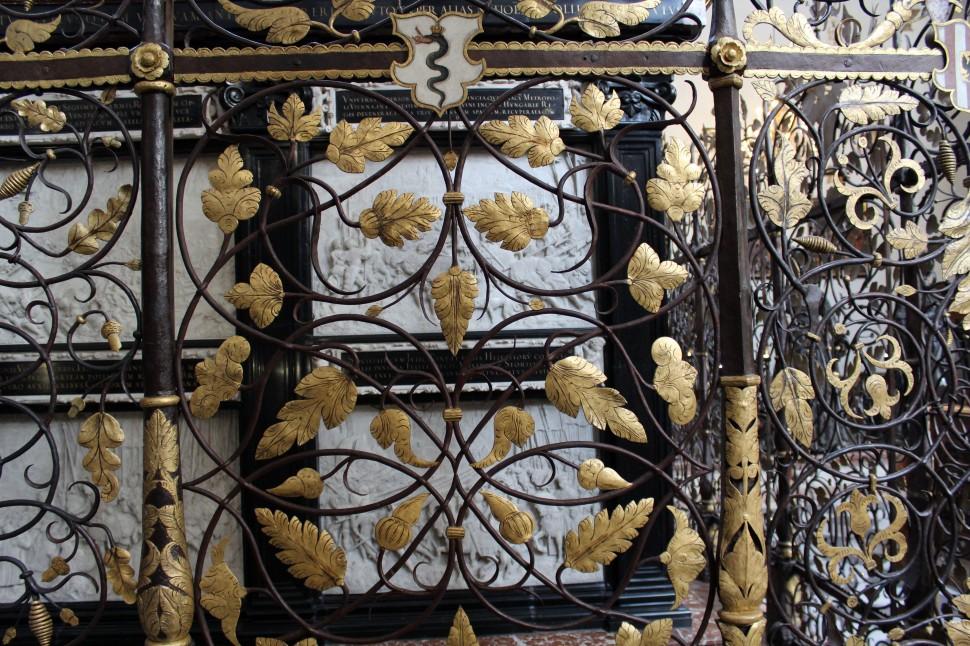 Kaiser Grab Hofkirche