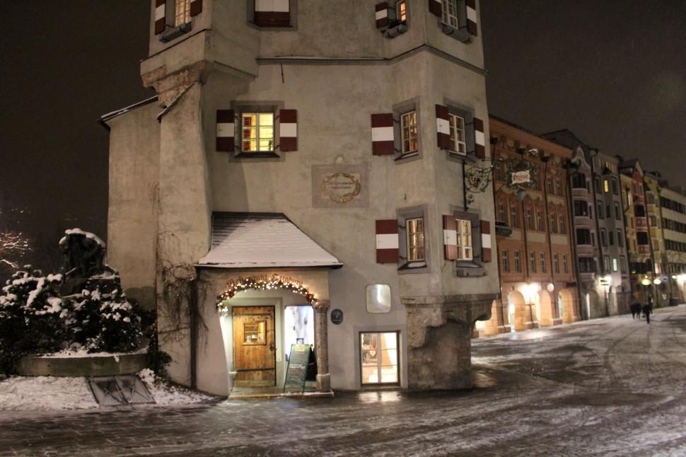 Ottoburg bei Nacht