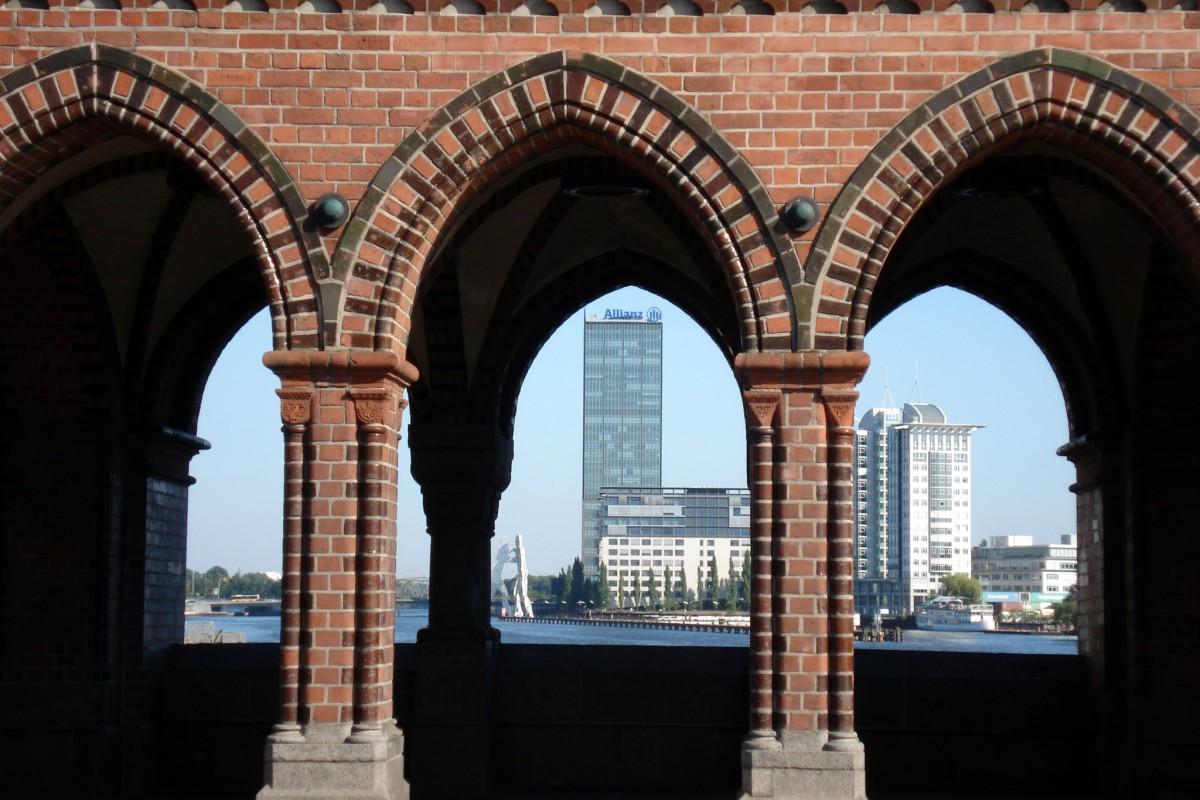 Tuesday Snapshot – Berlin Oberbaumbrücke