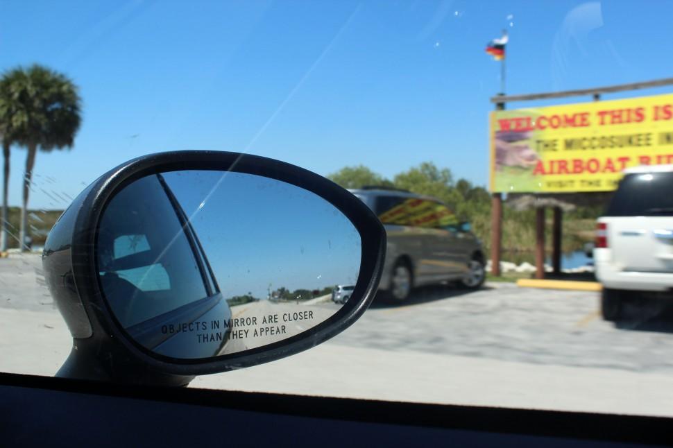 Rückspiegel auf dem Tamiami Trail