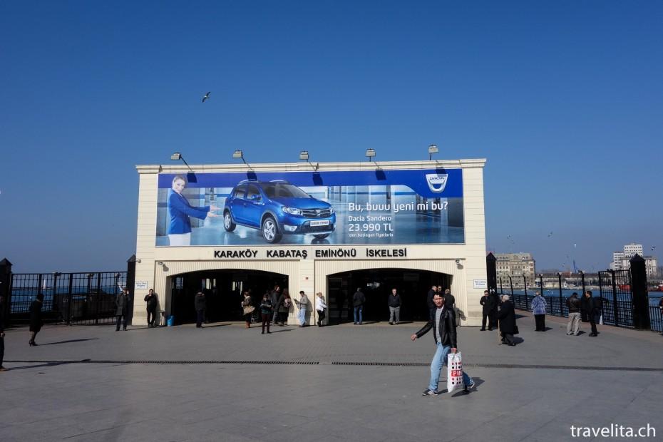 Faehre-Bosporus-Istanbul