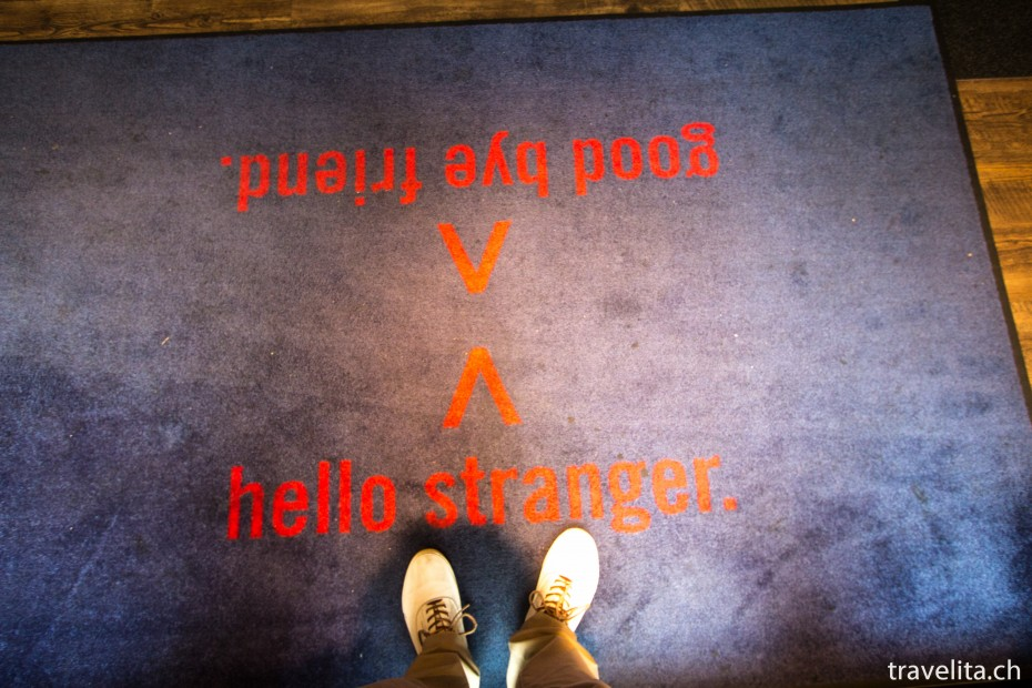 hello-stranger-25hours-levis
