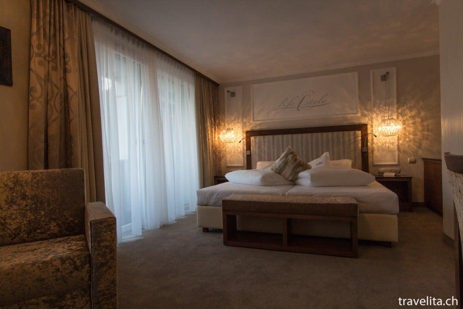 Junior Suite Bett im Hotel Cervosa