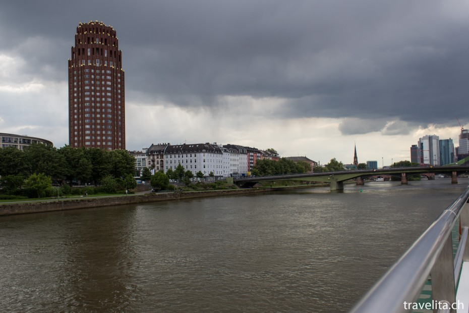 Frankfurt_Main_MainPlaza