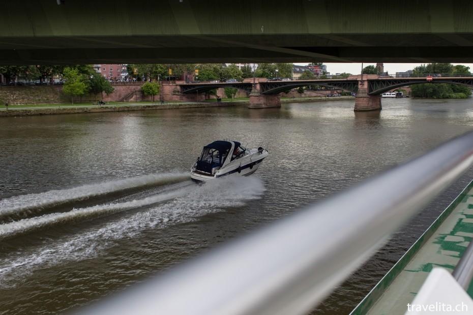Frankfurt_Main_Speedboat