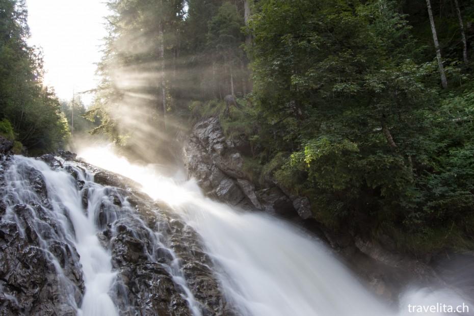 IMAGE: http://www.travelita.ch/wp-content/uploads/2013/08/Lenk_Simmenfaelle_1-930x620.jpg