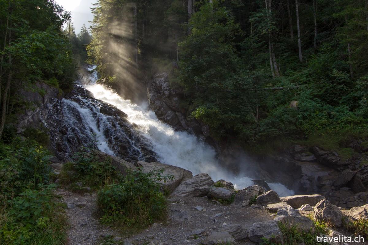 Wandern im Obersimmental – immer dem Wasser entlang