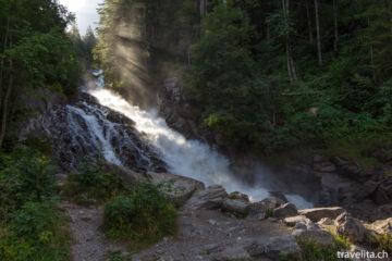 Wandern im Obersimmental - immer dem Wasser entlang