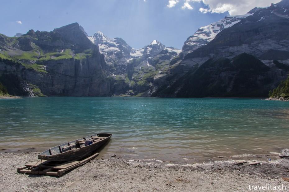 Boot am Ufer des Oeschinensee