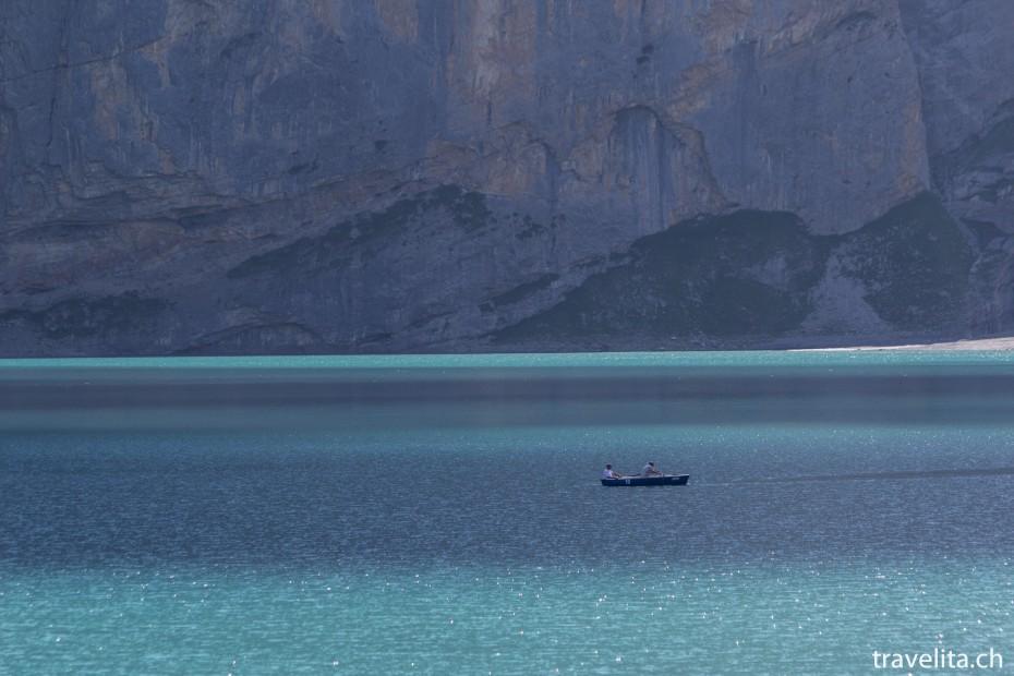 Boot auf dem Oeschinensee