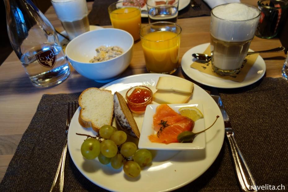Morgenessen im Hotel Cervo