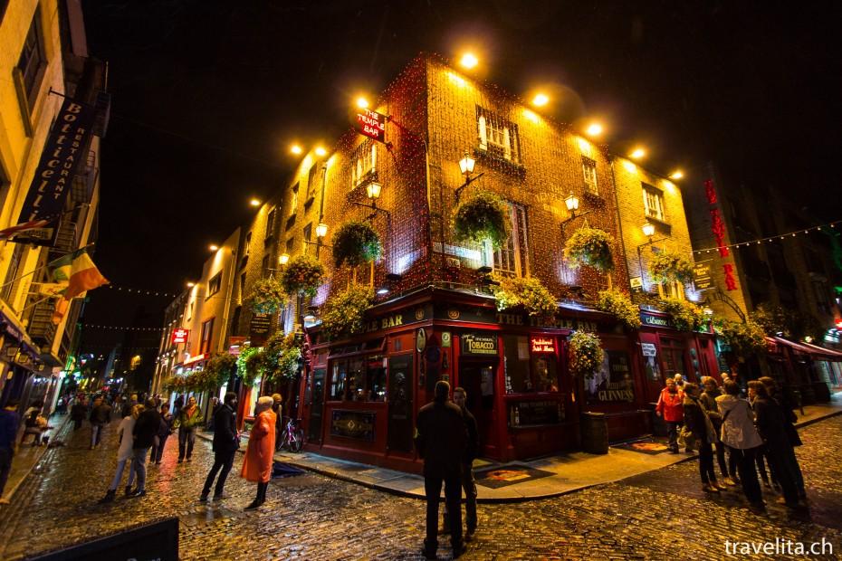 Dublin_temple-bar-pub-1