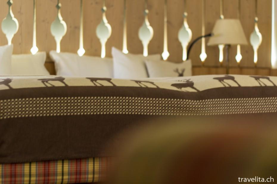 Bett Alpenchic Zimmer im Hotel Piz Buin Klosters