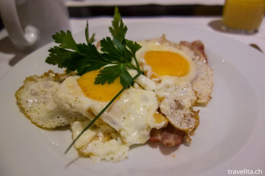 Frühstück Spiegelei