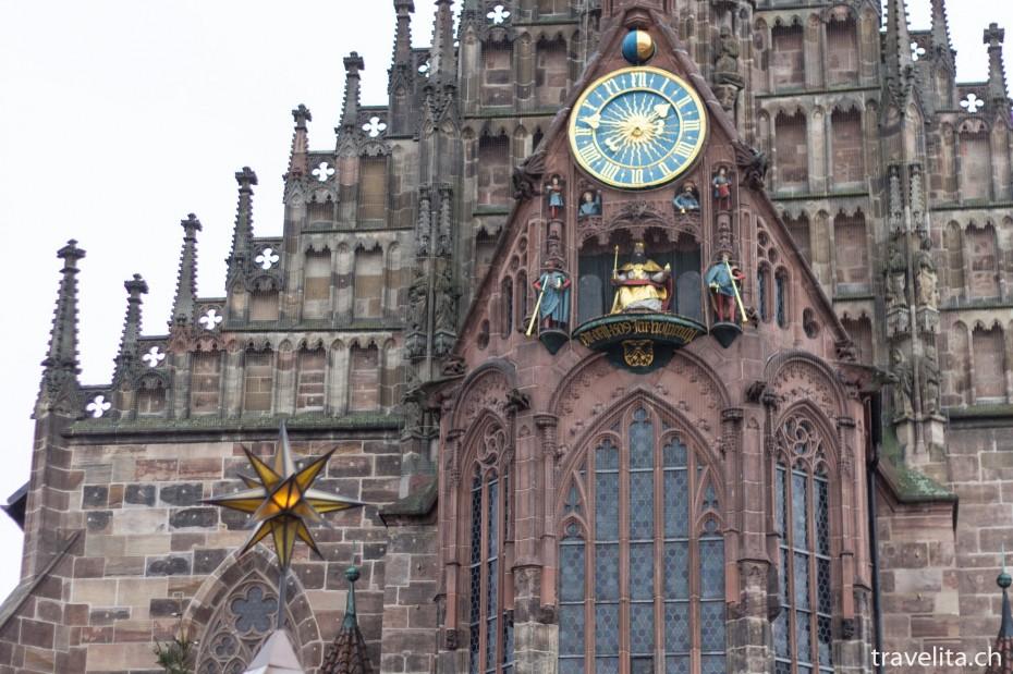 Sicht über den Nürnberger Christkindlesmarkt