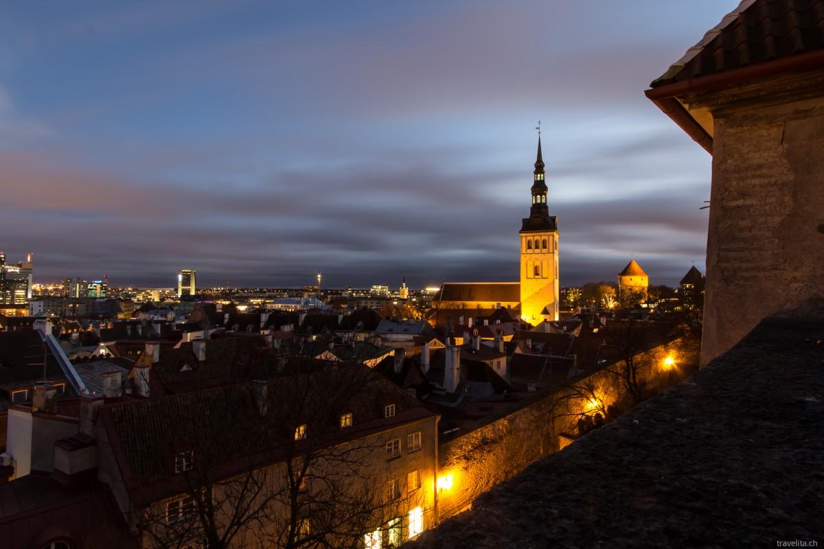 Tallinn im blauen Kleid