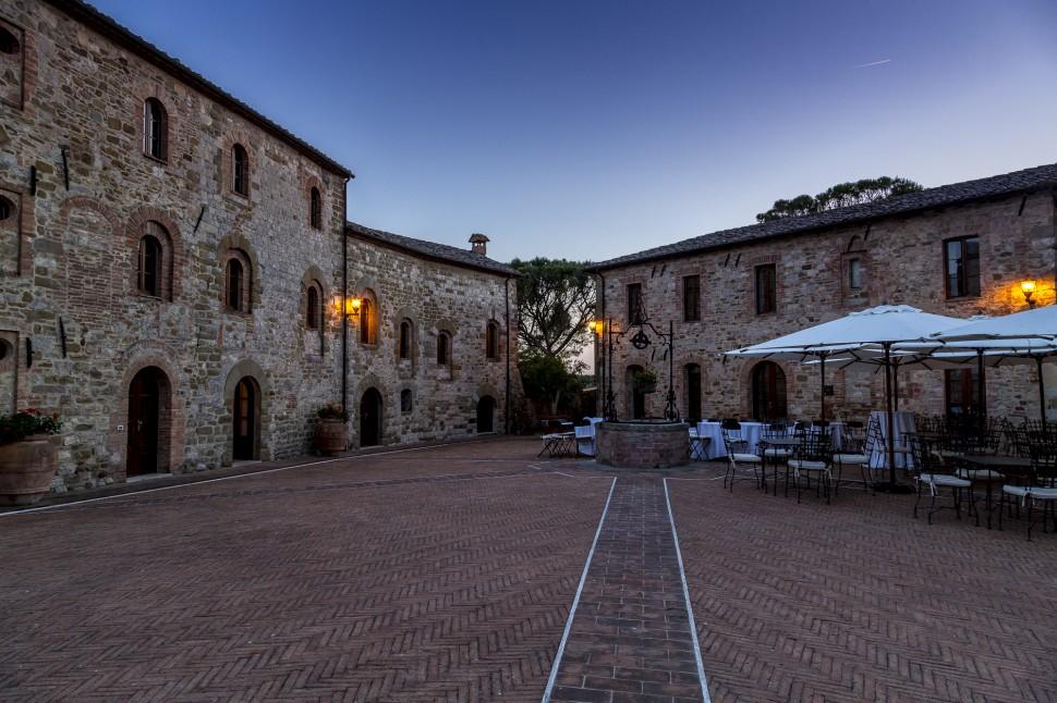Castel-Monastero-Piazza