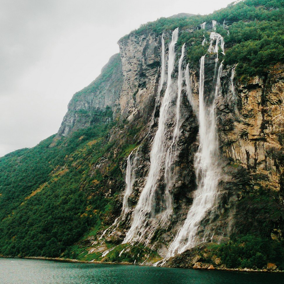 Geirangerfjord-SevenSisters-Wasserfall-2