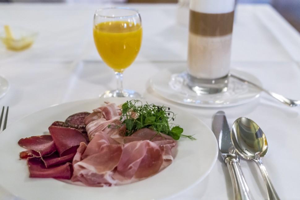 Le-Grand-Bellevue-Gstaad-Frühstück-1