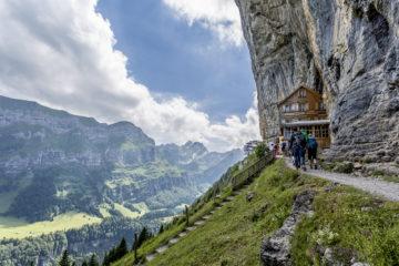 Appenzell Wanderung - Wildkirchli - Berggasthaus Äscher - Seealpsee