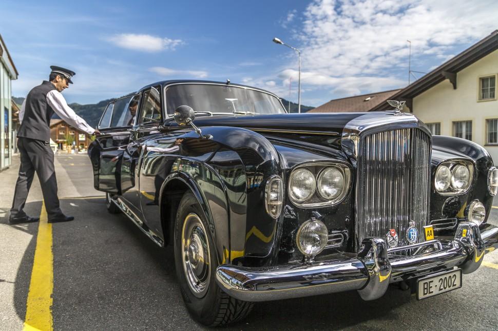 gstaad-Bentley-Roger-Moore