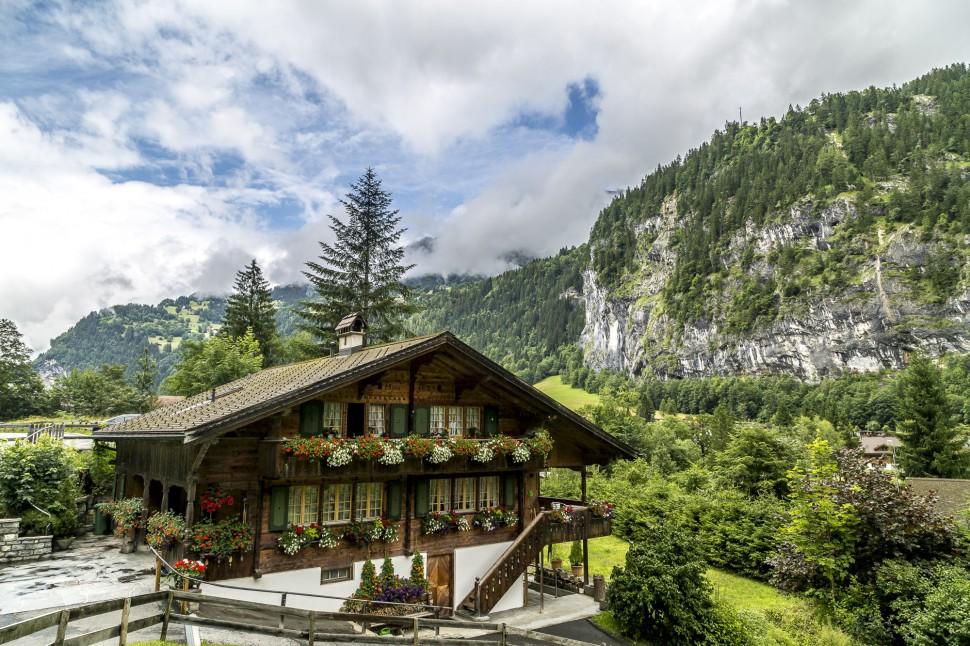 Lauterbrunnental-Chalet-2
