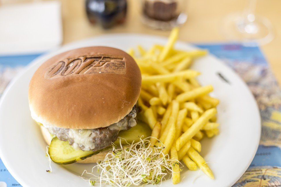 Schilthorn-James-Bond-Burger