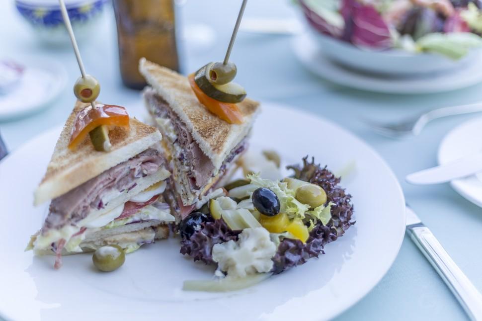 Villa-Principe-Leopoldo-Club-Sandwich