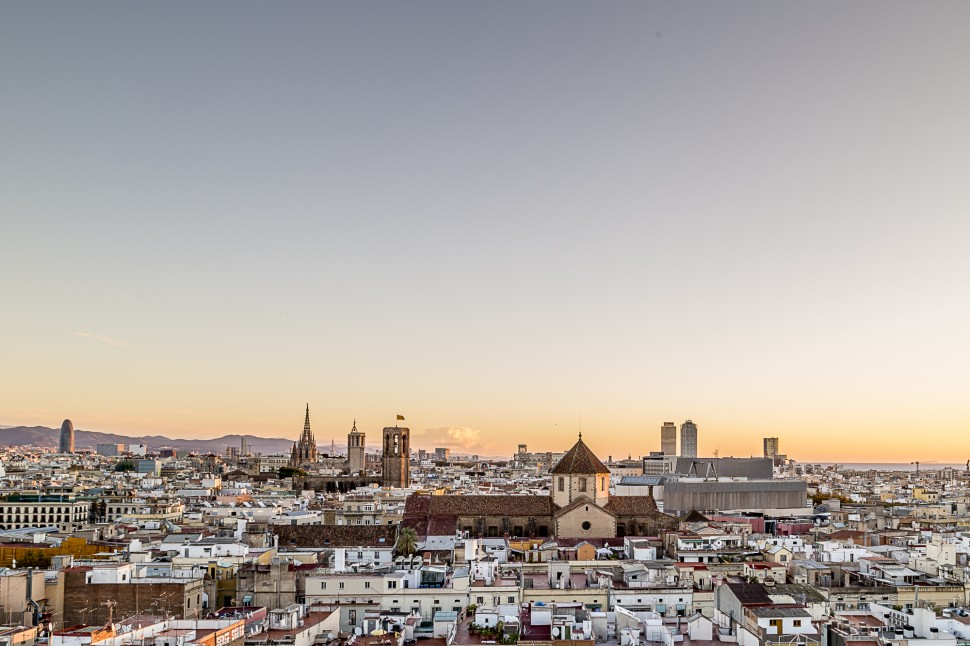Barcelo-Raval-Sonnenaufgang-2