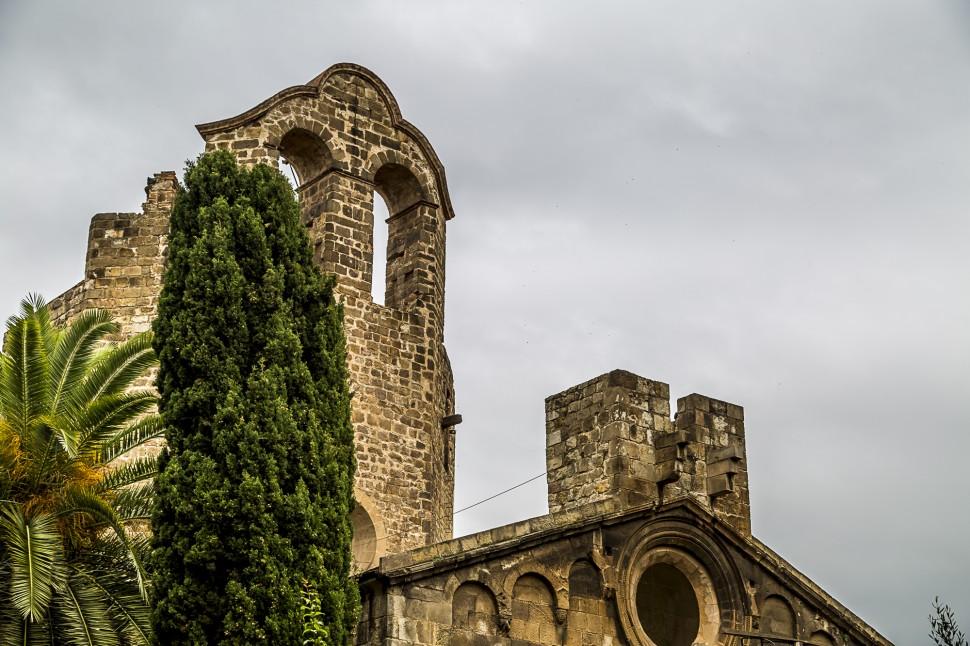 Barcelona-Romanische-Kirche