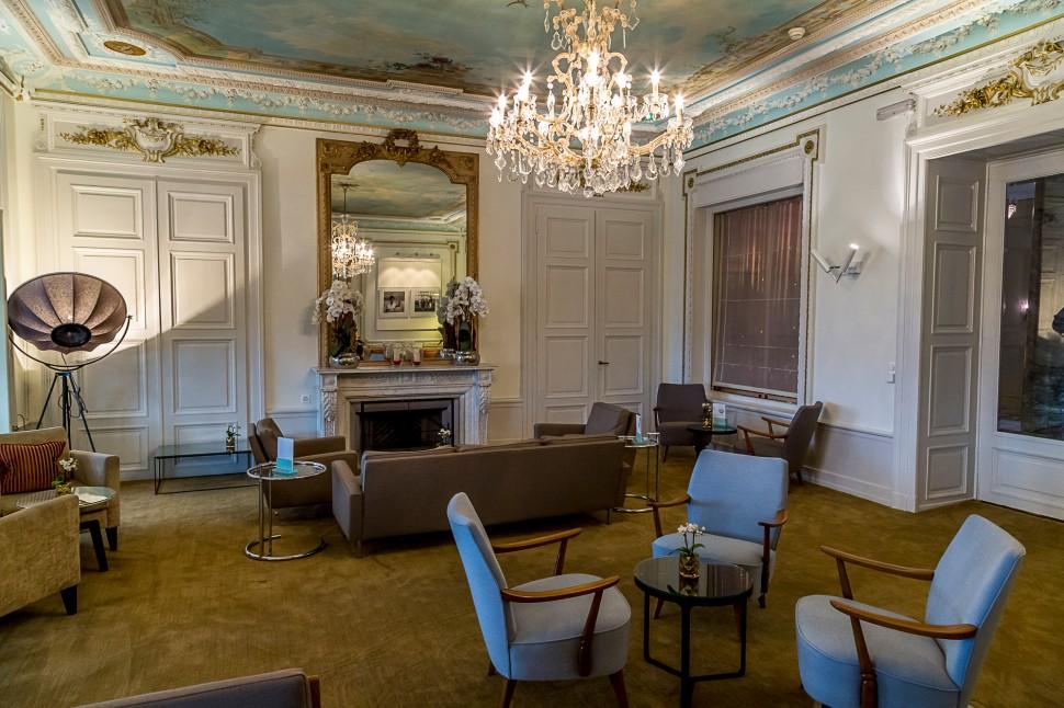 Hotel-Trois-Couronnes-Fruehstueck-Bar