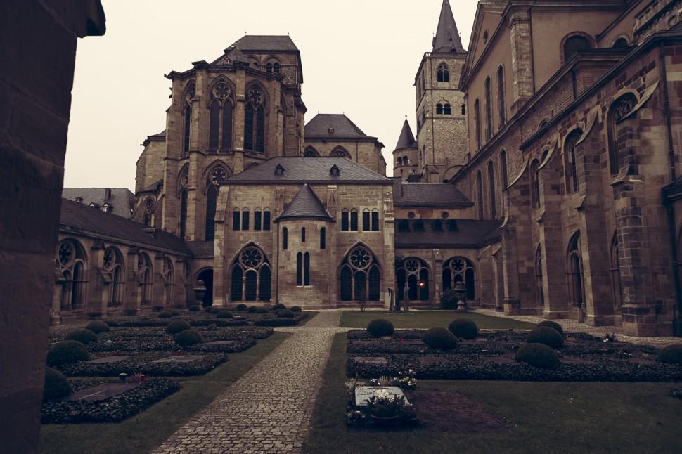 Trier-Kreuzgang