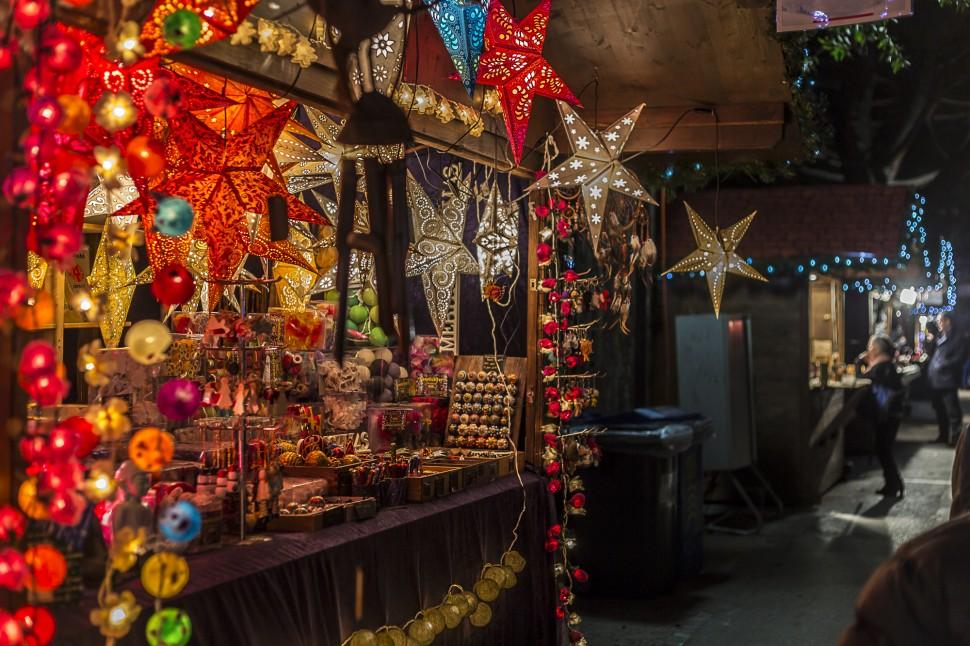 montreuxnoel-stande-weihnachtsschmuck