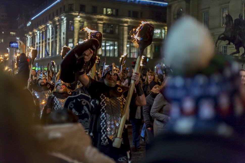 Edinburgh-Hogmany-torchlight-procession-2