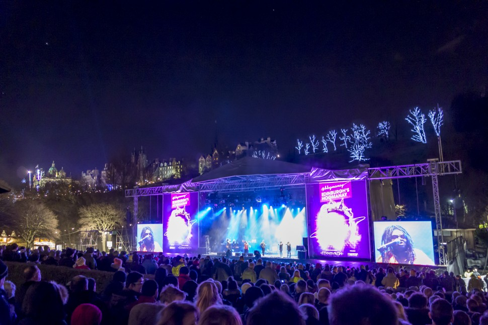 Hogmany-Concert-in-the-Garden-2