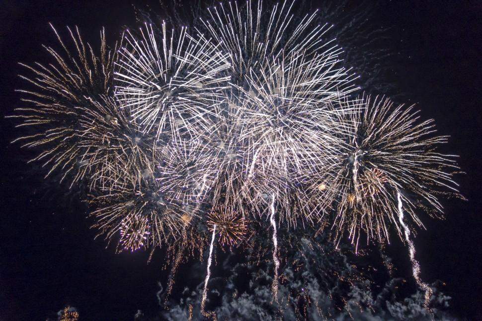 Hogmany-Edinburgh-Firework-1