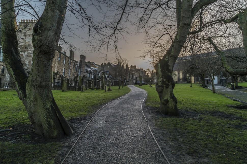 edinburgh-greyfriars-kirkyard-2