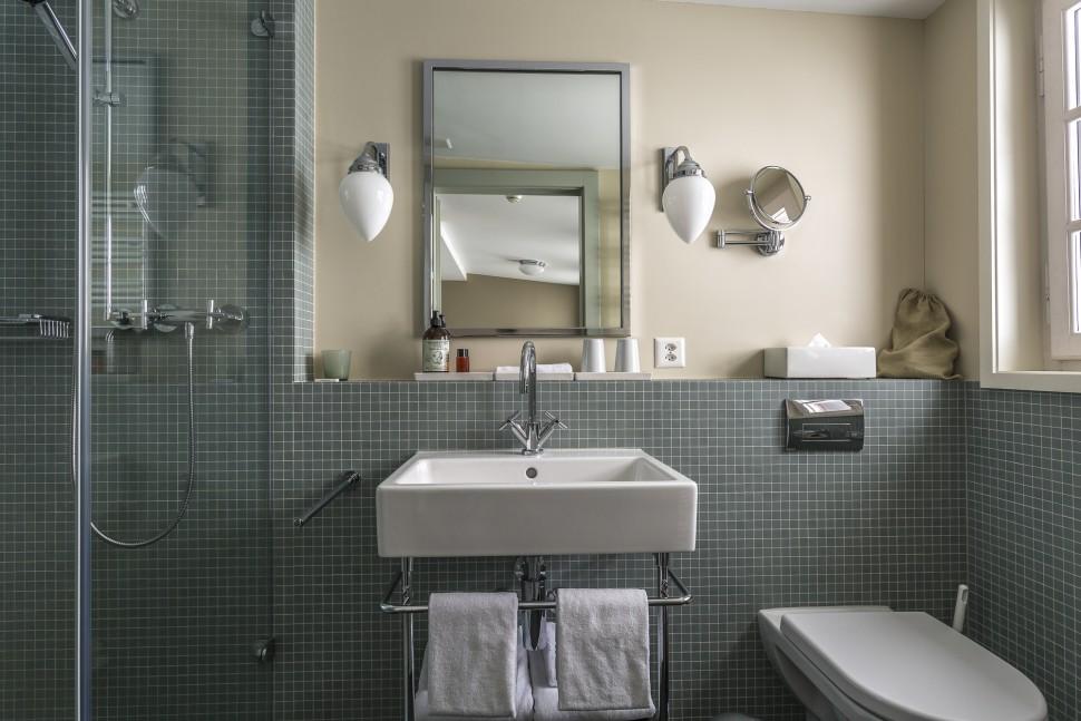 grimsel-hospiz-Badezimmer