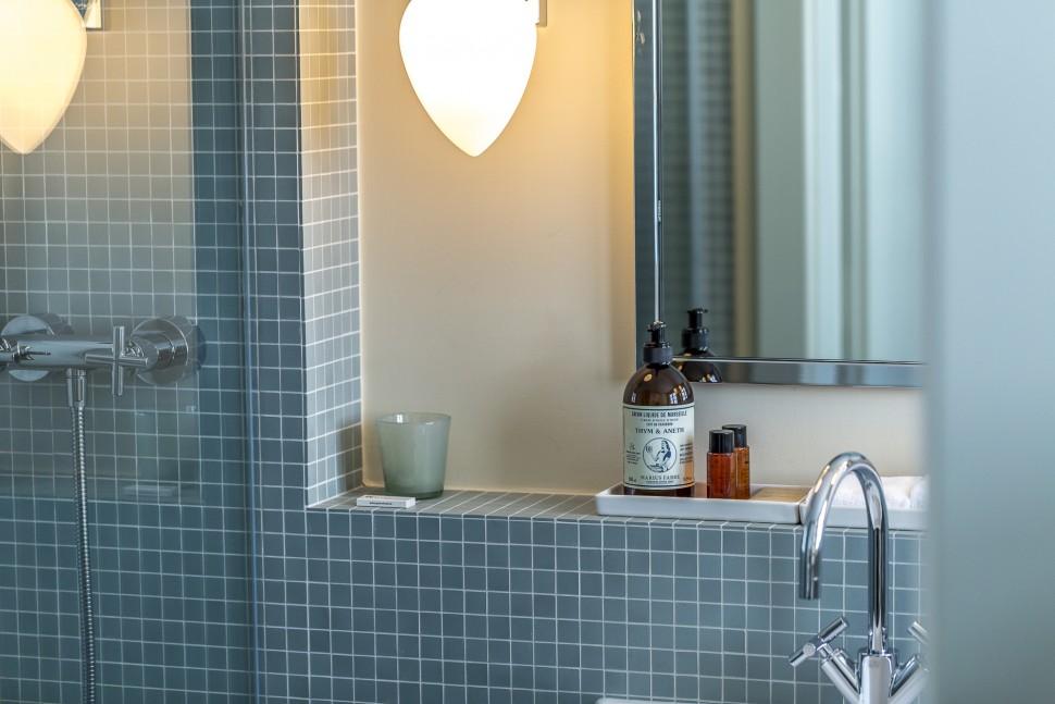 grimsel-hospiz-Badezimmer-Details