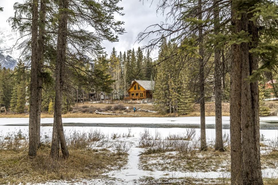 Banff-Bow-river-Trail