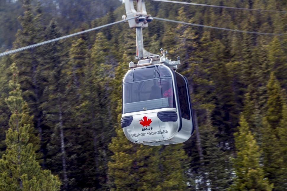 Banff-Sulphur-Mountain-Cablecar