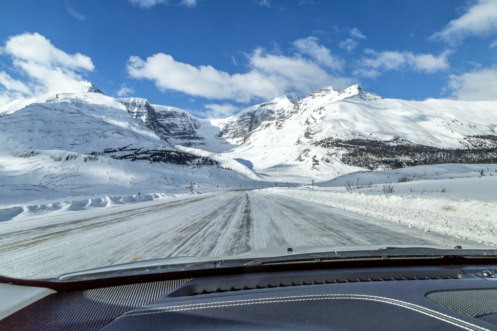 Icefields-Parkway-Banff-Winter