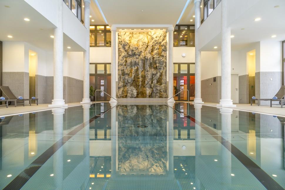 Kempinski-St-Moritz-Pool