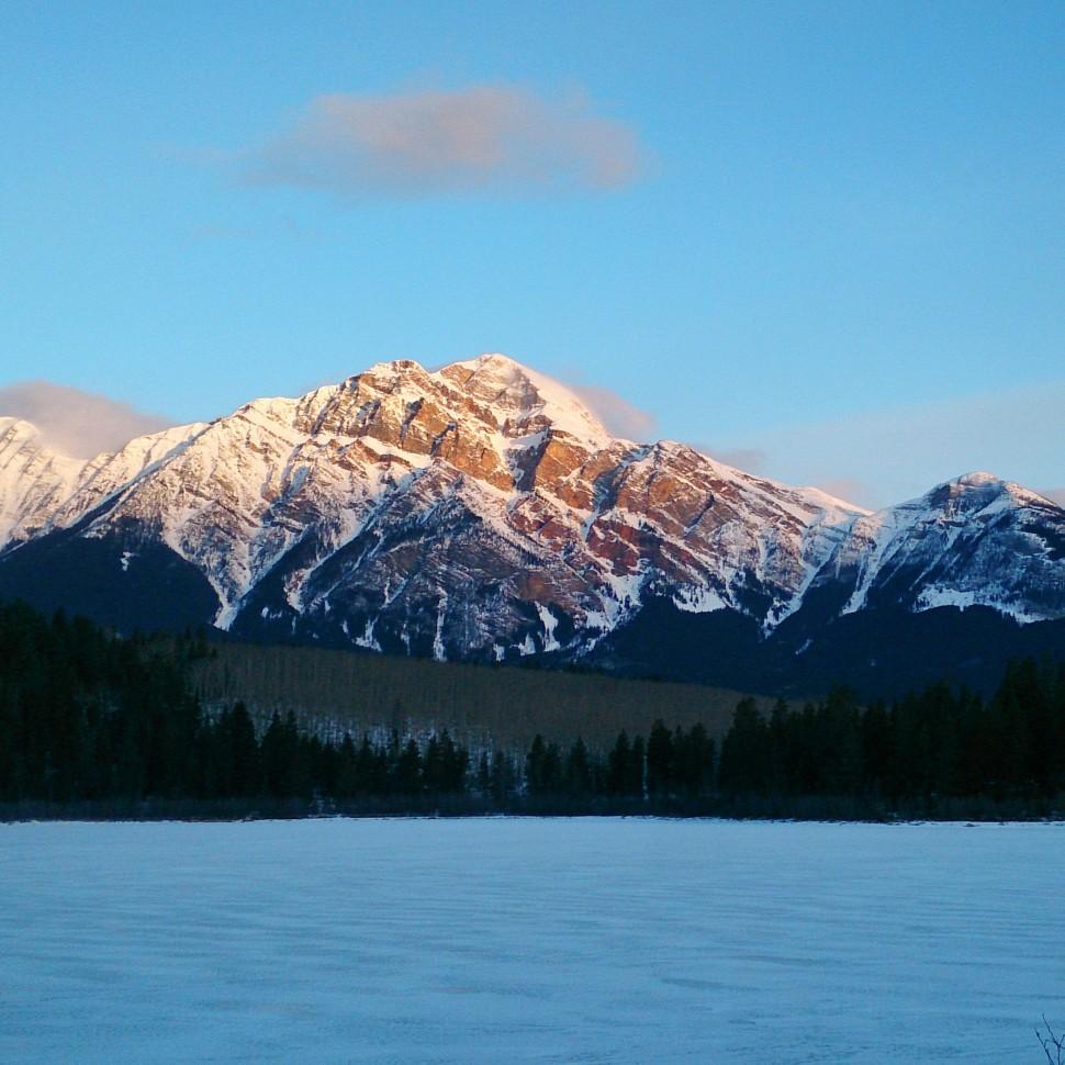 Pyramid-Mountain-Jasper