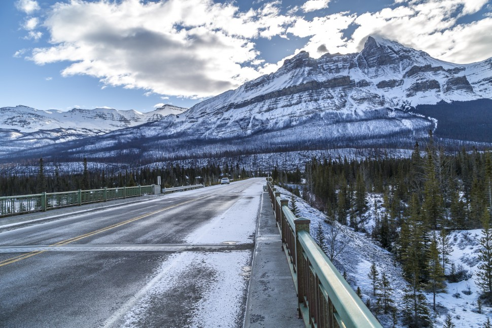 Saskatchewan-River-Crossing-Icefields-Parkway
