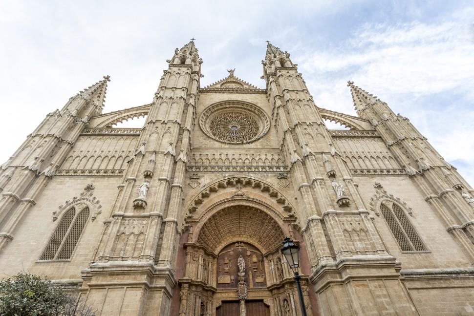 Catedral-de-La-Seu-front