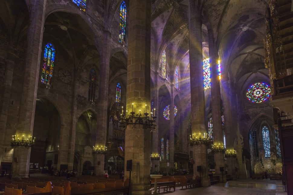 Catedral-de-La-Seu-light