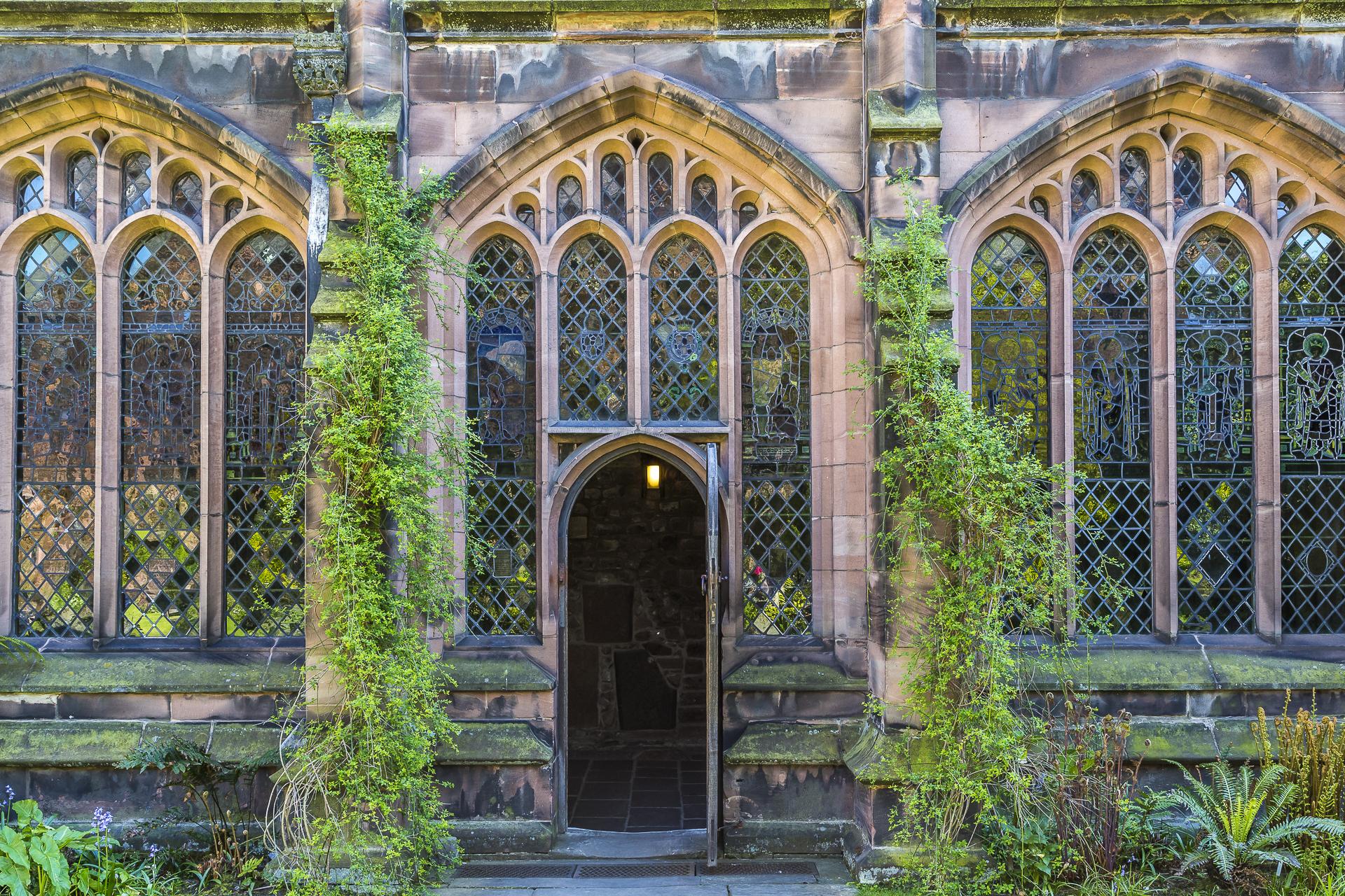 Innenhof-Kreuzgang-Katedrale-Chester-1